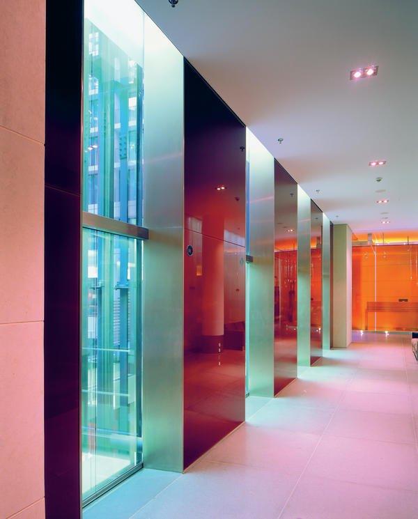 Glas setzt akzent vielf ltige eleganz bm online for Innenraum design berlin