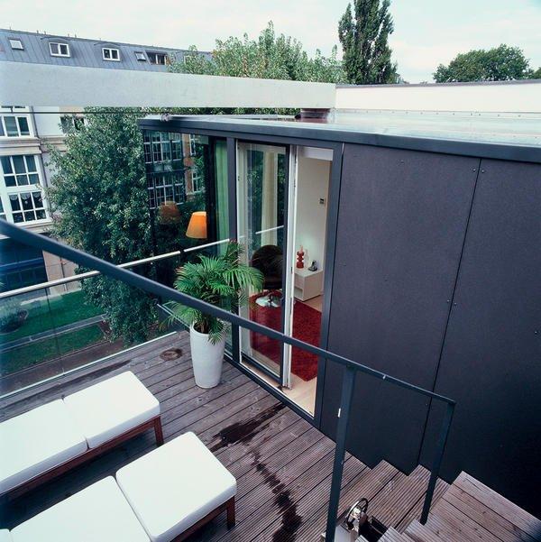 drei schmale h user mit raffiniertem zuschnitt und feinem innenausbau schmales handtuch bm online. Black Bedroom Furniture Sets. Home Design Ideas