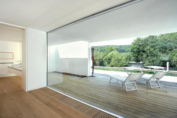 erweiterung eines wohnhauses offenes wohnen in wei bm online. Black Bedroom Furniture Sets. Home Design Ideas