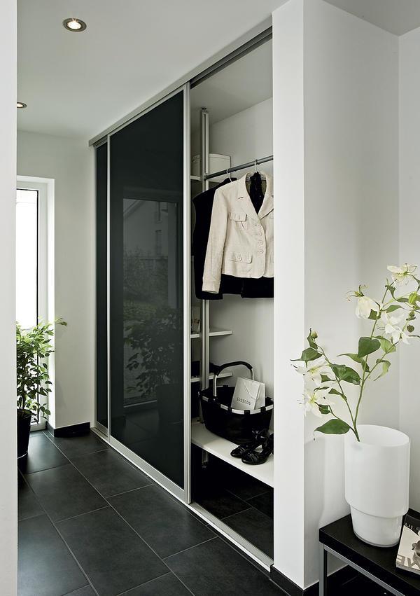 Trennende und verbindende elemente unserer zeit for Garderobe versteckt