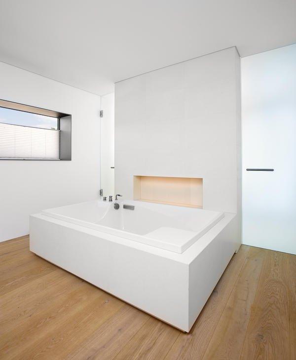 innenausbau einer offen konzipierten villa puristische. Black Bedroom Furniture Sets. Home Design Ideas