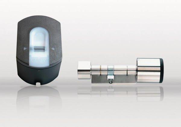 fingerprint nachr stset f r private und unternehmen fingerscanner mit funkzylinder bm online. Black Bedroom Furniture Sets. Home Design Ideas