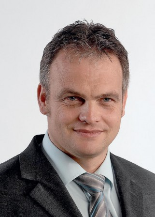 <b>...</b> Maschinenpartner Ima gut aufgehoben: Helia Geschäftsführer <b>Klaus Göppert</b> - 6871961-321x448