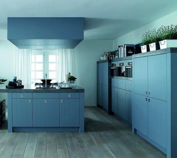 hesse fortschritt in der farbigen hydro uv lackierung neuer farblack speziell f r den. Black Bedroom Furniture Sets. Home Design Ideas