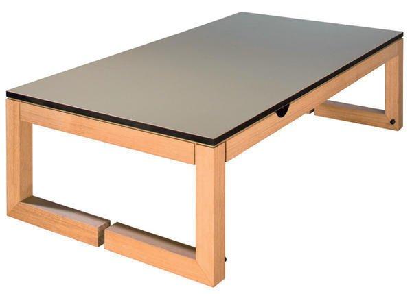 kollektion m bel marke tischler erg nzt ein tisch mit drei gesichtern bm online. Black Bedroom Furniture Sets. Home Design Ideas