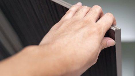 hand_Open_Cabinet