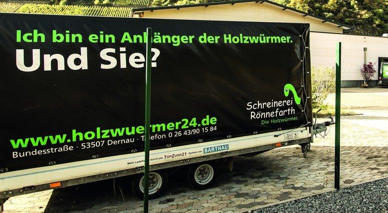 Anhaenger_schreinerei_roennefarth_Holzwurm.jpg