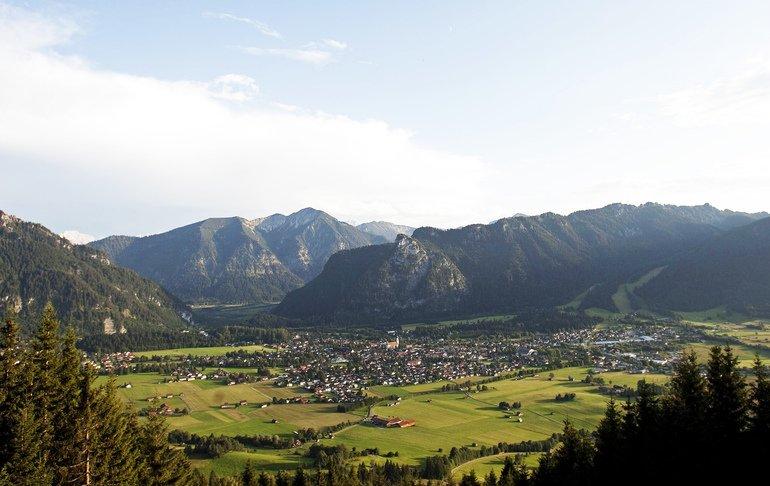 Blick_auf_Oberammergau_vom_AUfacker