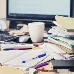 Wer am Schreibtisch keinen Überblick hat, kann nicht effizient arbeiten. Fotolia.com © Silvia Jansen #157516443