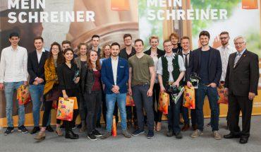 Foto_1_Alle_Teilnehmer_Bundesfinale_DieGuteForm2018.jpg