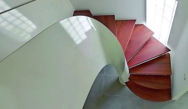 Guth-Treppe_mit_Pytha_von_Wunsch_Treppen.jpg