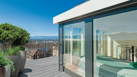 Architecture,_bright_terrace_of_a_penthouse,_blue_sky
