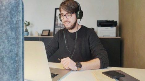 Lehrveranstaltung-online-Foto-R.Struttmann.jpg