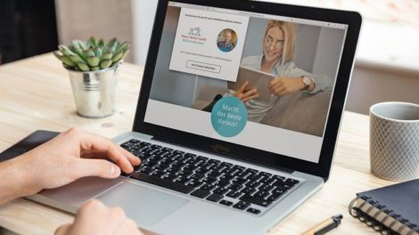 PM_ExtraNet24_Schreiner-Homepage-auf-Macbook_E24.jpg