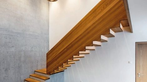 Treppe-des-Jahres-2019-Geradlinigkeit-Alber-Treppen.jpg
