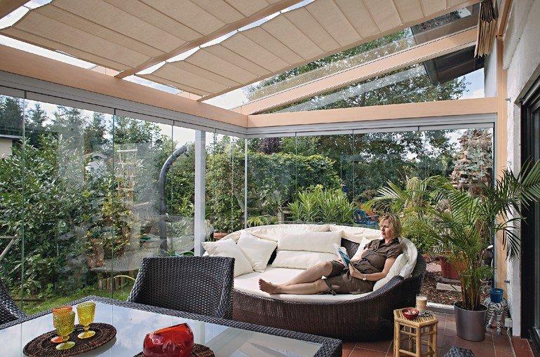 sommergarten aus holz wintergarten trend zur hochwertigkeit wohnen im glashaus bm. Black Bedroom Furniture Sets. Home Design Ideas